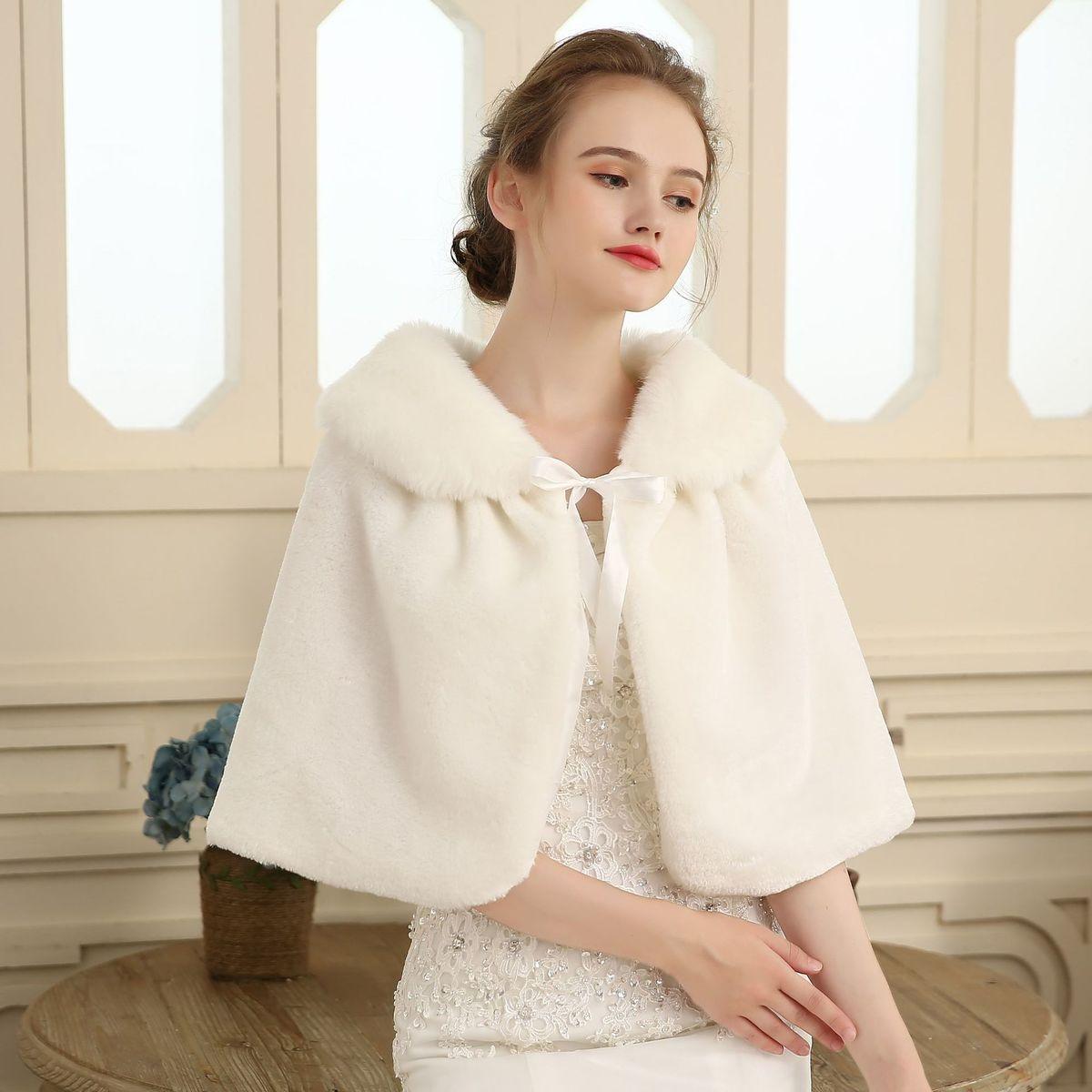 Winter Spring Cheap Faux Fur Bridal Jacket Warm Boleros 2018 White Bride Wraps Cape Shrug Wedding Jacket Wedding Accessories
