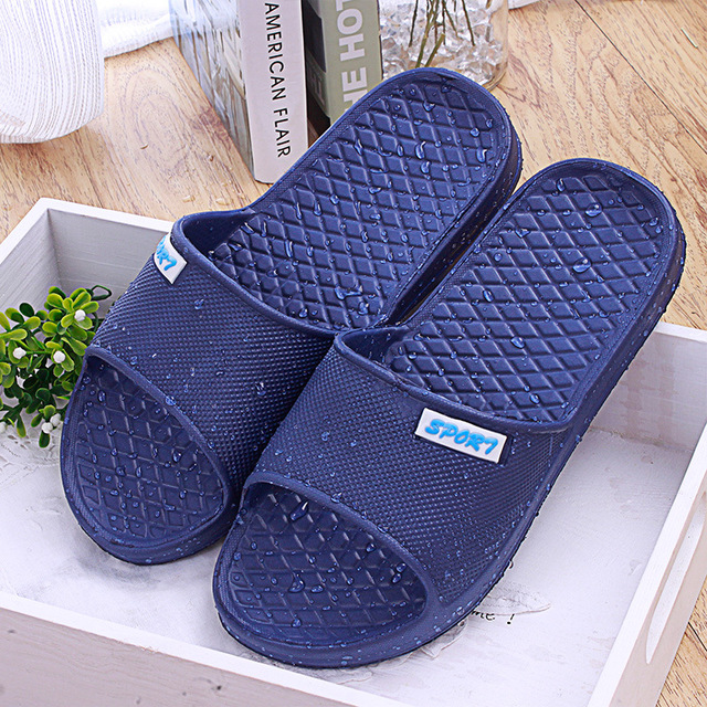 5404dbe4d0959 Men home bathroom slippers waterproof sandals and slippers beach holiday  summer mules