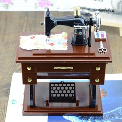 Kawo creative retro old fashioned sewing machine music box simulation model winding up toy.jpg 250x250