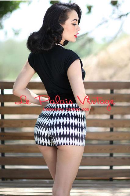 Frete grátis Le Palais vindima Retro sexy preto e branco da estrutura de diamante costura saco de veludo hip cintura alta shorts