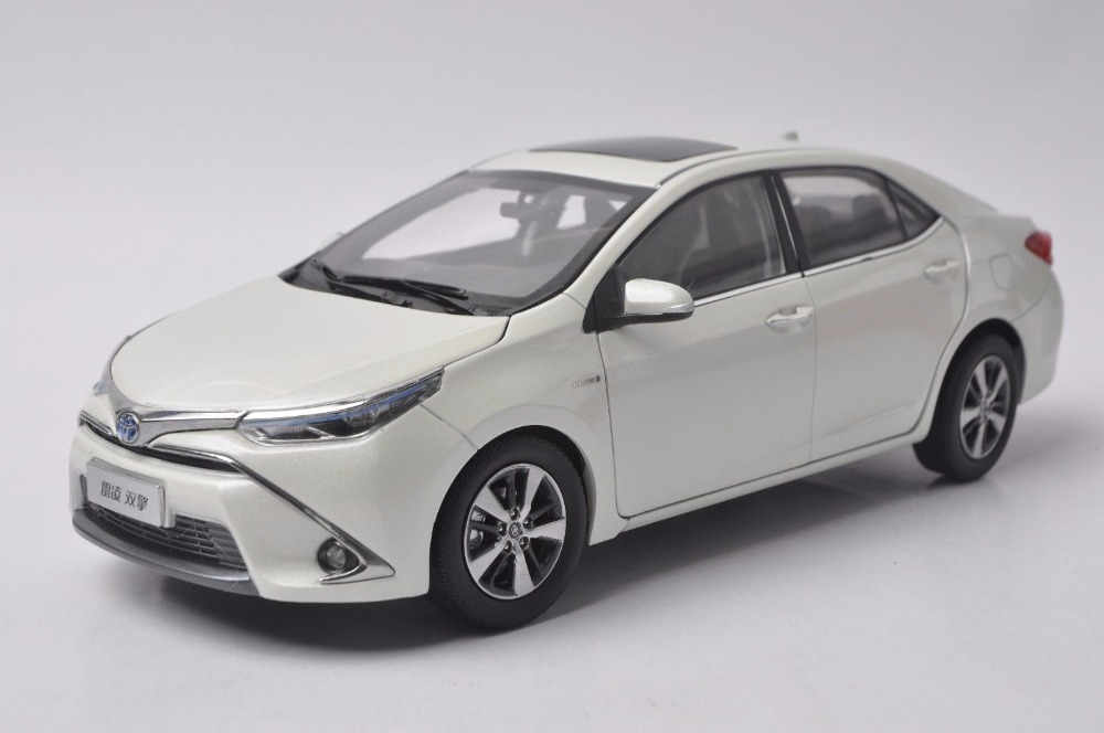 1:18 Diecast Model for Toyota Corolla Levin Hybrid 2016 White Alloy Toy Car Miniature Collection Gifts new 1 18 toyota corolla altis 2014 11th generation classic edition zinc alloy model car christmas new year gifts