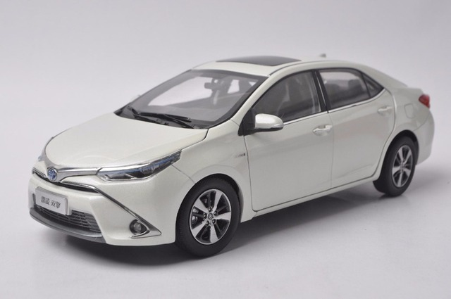 1 18 Cast Model For Toyota Corolla Levin Hybrid 2016 White Alloy Toy Car Miniature Collection Gifts