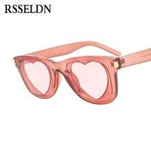 RSSELDN Moda Amor Coração Óculos De Sol Das Mulheres Transparente Rosa  Cinza Verde Quadrado Estilo Coração Em Forma de óculos de. a8d6dbd8ab