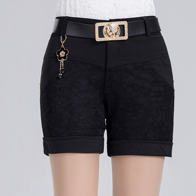 Elegant Bermudas Trouser Femininas Patchwork Lace Shorts Feminino Ladies Knit Short Appliques Mid Waist Carved Flowers Fashion