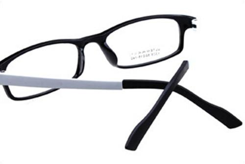 bb54e4879d3 Aliexpress.com   Buy optical New ULTEM Black White Eyeglass Frames Plain  computer Glasses Spectacles from Reliable glasses spectacles suppliers on  BETSION ...