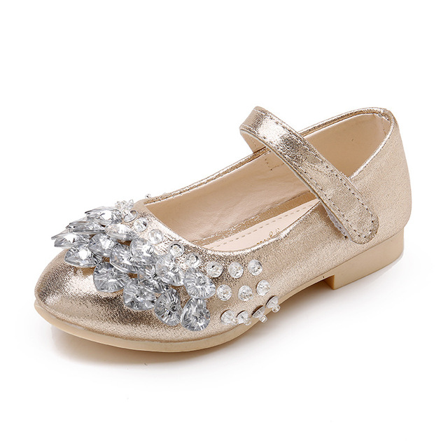 Kids Girls Crystall Bling Flats Shoes Princess Slip On Wedding Party Formal  Dress Shoes Girls Sequins Soft Sole Shoes AA11353 349dfb1e87bf