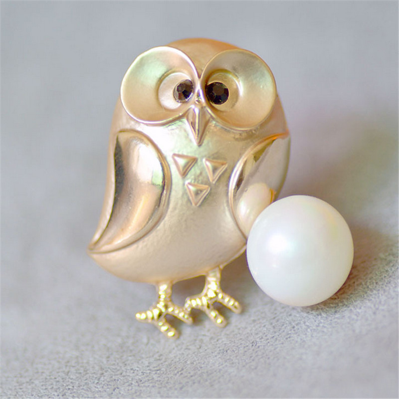 Cute Dumb Gold Alloy Owl Brooches For Women And Men Metal Bird Animal Pearl Brooch Pins Badges on a Backpack Christmas Gifts