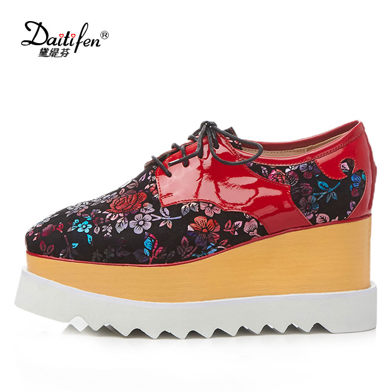 Daitifen 2018 High Heel Shoes Woman Pumps Genuine Leather Platform Wedges Round Toes Lacing Up Women Printing Flower Shoes nayiduyun women genuine leather wedge high heel pumps platform creepers round toe slip on casual shoes boots wedge sneakers