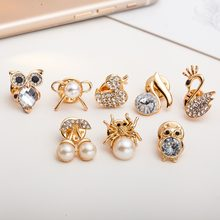 Linnor 8 Gaya Indah Crystal Hewan Mini Bros Emas Zinc Alloy Burung Hantu Catatan Spider Swan Kerah Brosh Aksesoris Perhiasan(China)