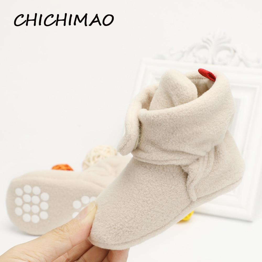 Unisexe bébé nouveau-né Cozie Faux polaire Bootie hiver chaud infantile enfant en bas âge berceau chaussures classique étage garçons