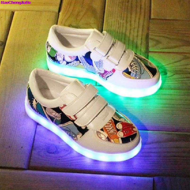все цены на HaoChengJiaDe Children Shoes Fashion Boys Girls USB Charger Led Light Shoes Luminous Casual Sport With Light Led Sneaker Kids онлайн