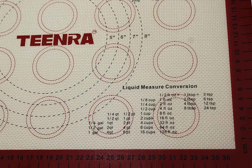 liquid measure conversion baking mat
