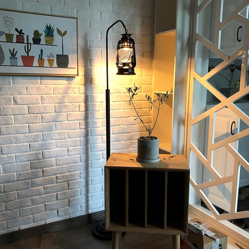 Lampada a cherosene Retro Vintage Nero Lampada Da Terra Con Tavolo E27 In Piedi Luce per Pavimento Del Salotto Camera Da Letto A LED Studio Lustro