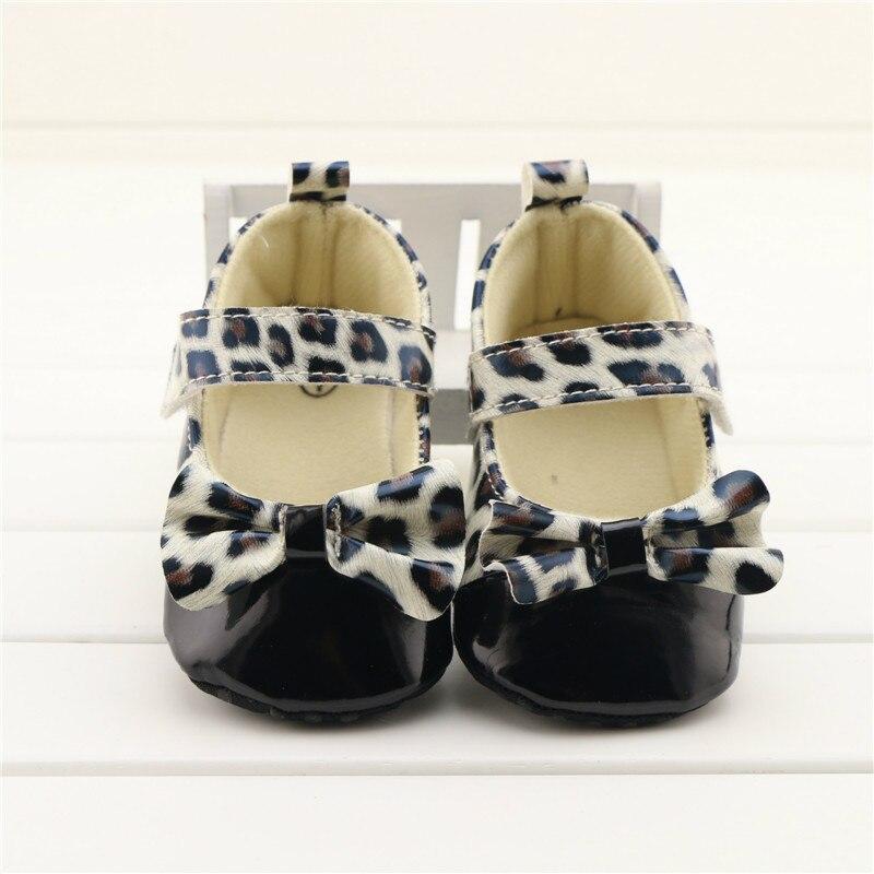 Мода Новорожденный Ребенок Младенческая Малышей Prewalker Обувь Leopard Бантом Мягкое Дно Anti-slip PU Девочка Детская Кровать В Обуви Обувь 0-18 М