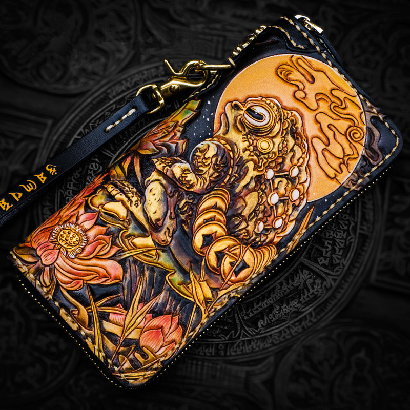 Handmade Wallets Carving Toad Raven With Three Feet Purses Men Long Clutch Vegetable Tanned Leather Wallet Card Holder