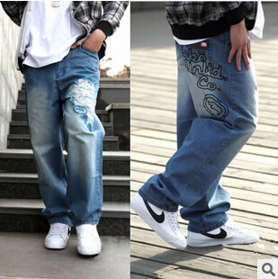 ФОТО Free shipping 2016 new English style Popular youth hot sale men big yards street tide embroidered loose jeans Cheap wholesale