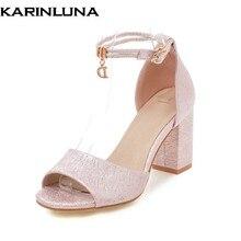 bbe098828 KarinLuna Famosa Marca Plus Size 34-43 a Melhor Qualidade Verão Sandálias  Sapatos Mulheres Moda tornozelo cinta-Estilo Moderno S..
