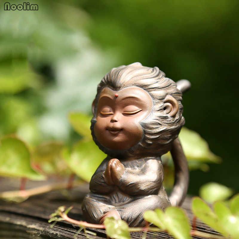 NOOLIM Forno de Barro Roxo Bonito Monkey King Chá Ornamentos Pet Criativo Cerimônia do Chá Bandeja de Chá Jogo de Chá Decoração Do Carro Artesanato