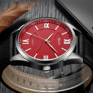 Image 3 - OULM moda biznes Oversize zegarek mężczyźni zegar kwarcowy z cyframi rzymskimi czerwony Dial skórzany pasek klasyczne męskie zegarki Top marka luksusowe