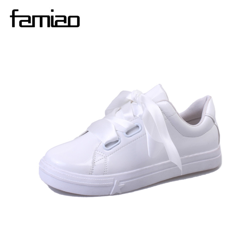 Fashion White Shoes Women Spring Autumn Flat Ribbon Butterfly Loafers Street Lace Up Casual Shoes Rihanna Celebrity Cross Tie