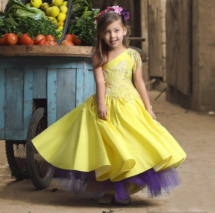 New Arrival Yellow One Shoulder Ball Gown   Flower     Girl     Dresses   2017 Appliques Satin First Communion   Dresses   For   Girls   M1000