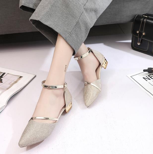 Mot Boucle Avec Nouveau Printemps Femmes Talon Baotou Sandales Confort Or 2018 Sexy Chaussures D'été Sauvage Épais argent fxXwBqxYg