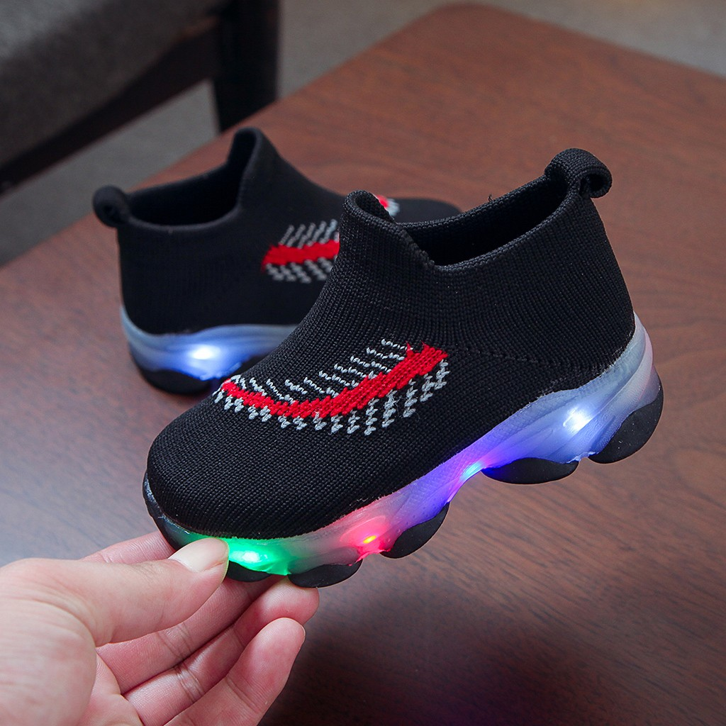 LED Feather Pattern Breathable Sneakers 5