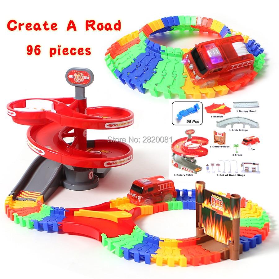 Sur 96 pcs flex piste avec électronique lumière voiture Créent une route piste de course ensemble, automatiquement tourner autour rotatif route puzzle jouet