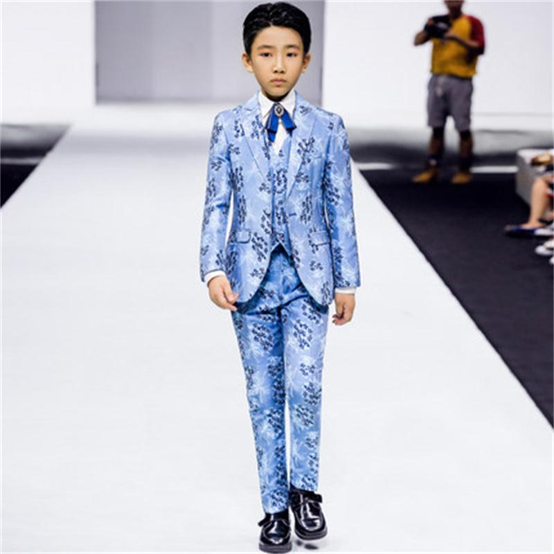 High quality boy floral suit three-piece suit 2018 autumn and winter new flower girl at the big children's show catwalk su kimocat boy and girl high quality spring autumn children s cowboy suit version of the big boy cherry embroidery jeans two suits