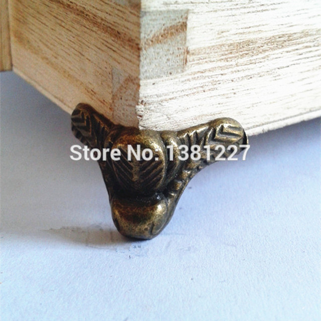 Wholesale 30*17mm Antique furniture feet Foot wooden gift box Alloy Corner  Support legs Small - Wholesale 30*17mm Antique Furniture Feet Foot Wooden Gift Box Alloy