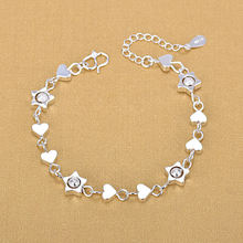 Женский браслет из серебра 925 пробы с шармами в виде сердца
