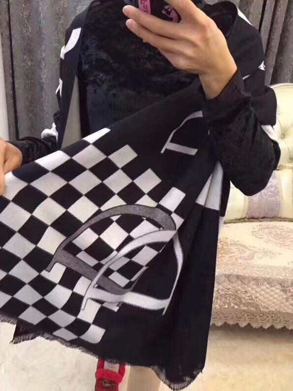 Luxury Scarf Female Winter Cashmere Black And White Checkerboard Scarf Decorative Warm Scarf Shawl 68071