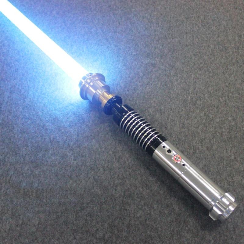Nuevo sable de luz caliente Material de Metal Luke Black serie sable de luz espada 110 cm de longitud con LED carga niño regalo de cumpleaños