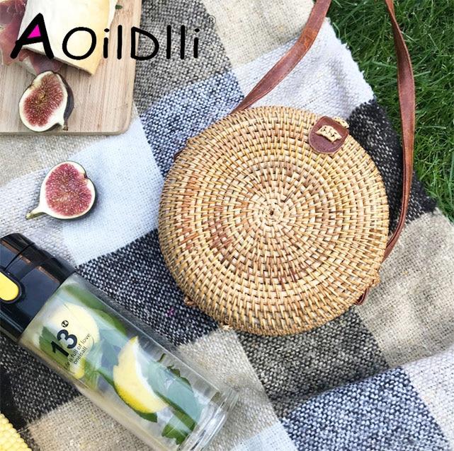 2018 INS Popular Women Handmade Round Beach Shoulder Bag Bali Circle Straw Bags Summer Woven Rattan Handbags Women Messenger Bag