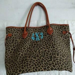 Image 2 - Nam Hot Bán Hàng Leopard Phụ Nữ Canvas Túi Xách Phụ Nữ Lớn Tote Giản Dị Túi Phù Dâu Quà Tặng Có Thể Được Thêu