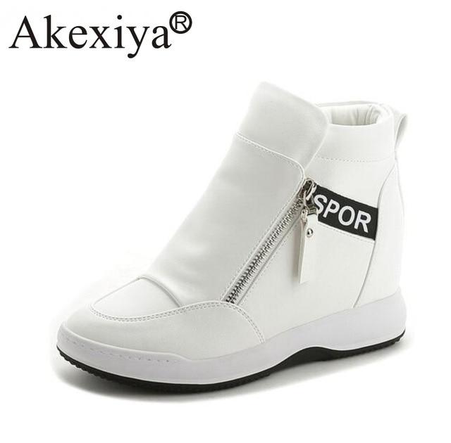 b7d1237c6 Akexiya Alta Qualidade Mulheres Plataforma Cunha sapatos de Salto Alto  Sapatos Ankle Boots Pretas Brancas Sapatilhas