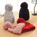 Moda Otoño e invierno tejer sombrero de lana de los hombres y las mujeres gorro de invierno bola de pelo Bonito gorros gorros hueso accesorio colorido nueva