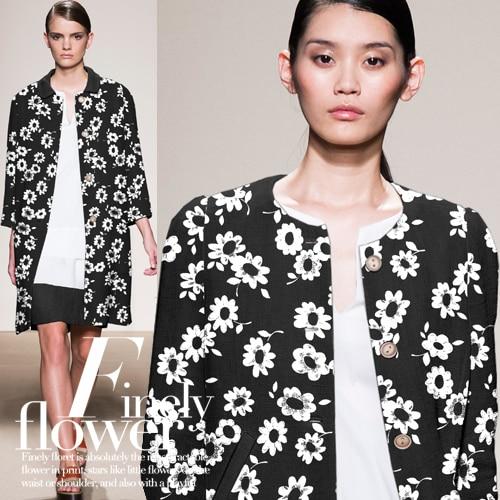 Elegant black white daisy printed fashion fabrics wrinkle wrinkle dress fashion fabric wholesale high quality cloth
