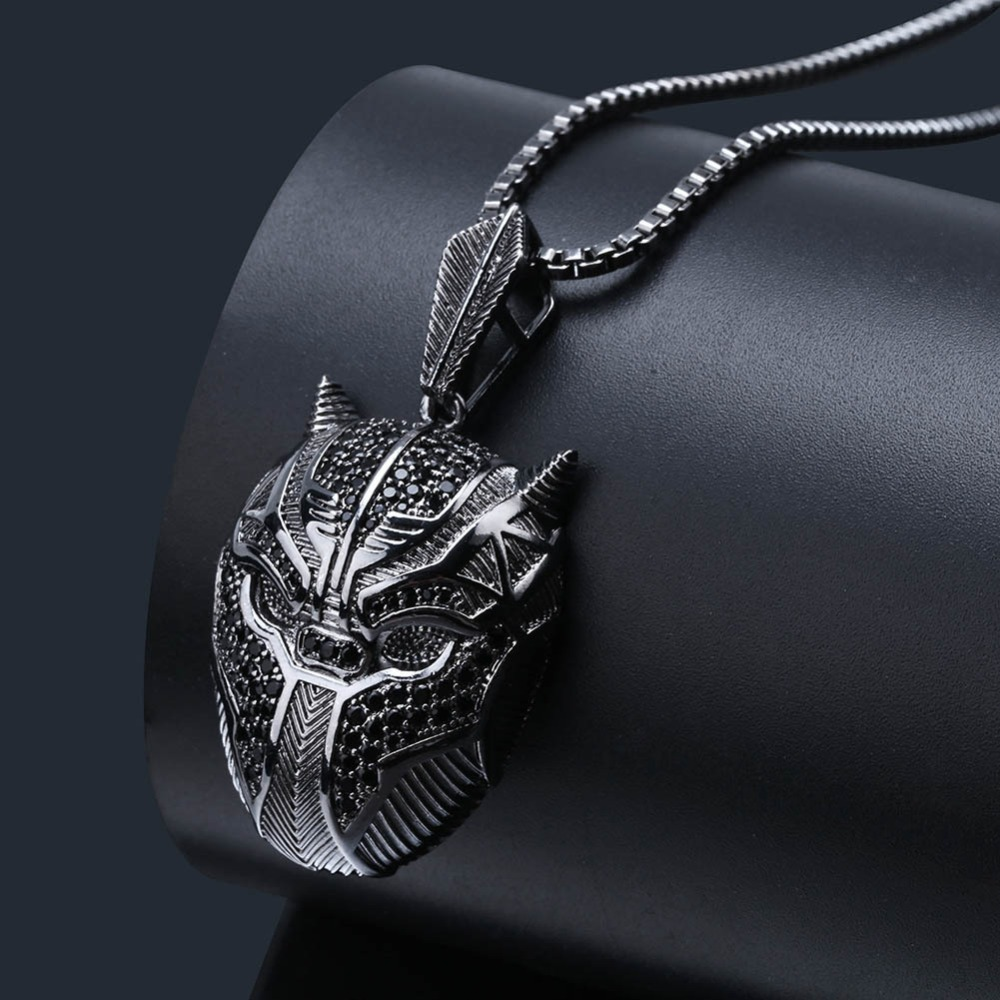 Black Panther Mask Pendant Hip Hop Iced Out Jewelry Cosplay Necklace Girl Friend Gift Fans Collection Halloween Gift Drop Ship