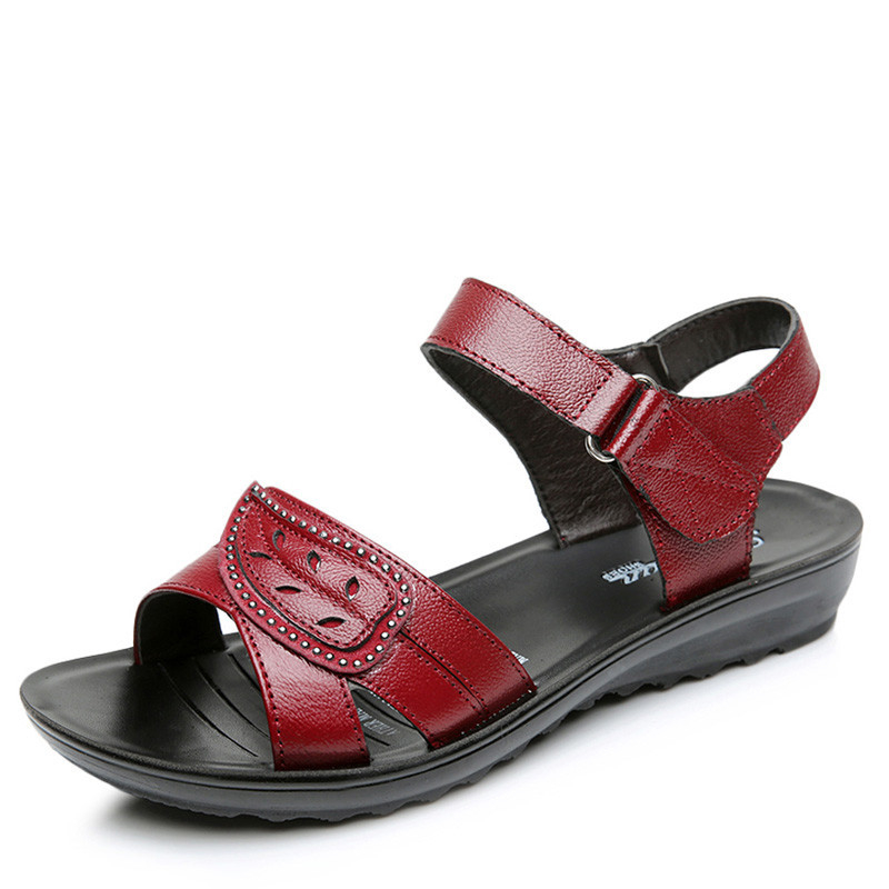 ФОТО 2017 summer shoes flat sandals women aged leather flat with solid colors fashion sandals comfortable leisure shoes