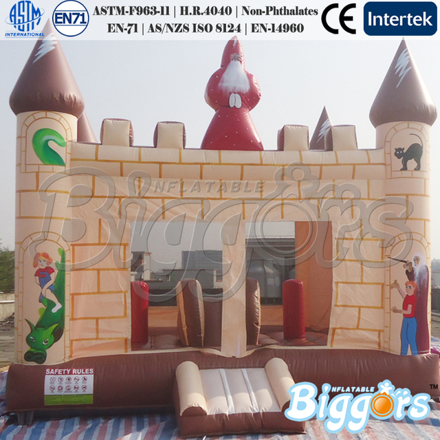 Inflable Castillo Hinchable con Tobogán Pequeño En El Interior para el Partido