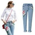 Nova Flor de Cintura Alta Bordados calças de Brim Das Mulheres Primavera Outono Ladies Europeia Moda Bordado Do Vintage Denim Calças de Jeans Feminino