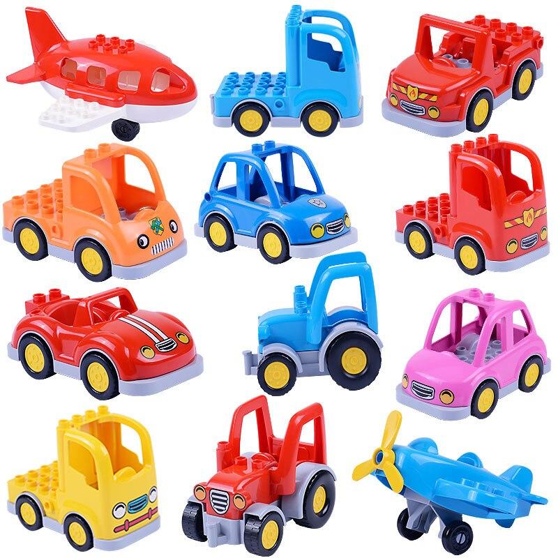 Cidade dos desenhos animados carro agricultor caminhão reboque avião modelo boneca blocos de construção crianças brinquedos educativos presentes