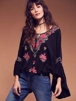 2018 New Bohemian Style Women Embroidery Loose Kimono Tops Blouses Ladies Flare Sleeve Casual Holiday Wear Shirt Blusas Feminino