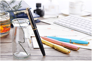 "Image 2 - עטים נבע אותנטי 1079 Ultrafine עט 0.38 מ""מ סטודנטים משרד עסקים אריזת מתנה שחור ורוד צהוב כחול משלוח חינם"