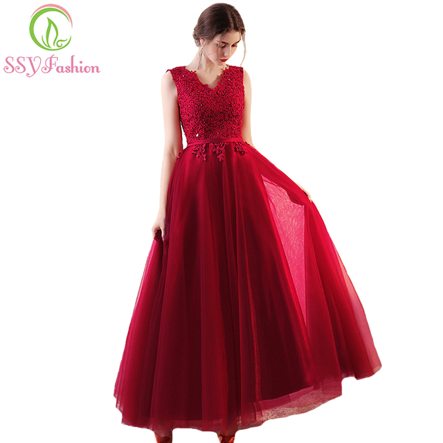 SSYFashion New Elegant Lace Evening Dress The Bride Banquet V-neck Lace  Appliques Red Floor-length Prom Party Formal Gown Custom 3e8a639803b9
