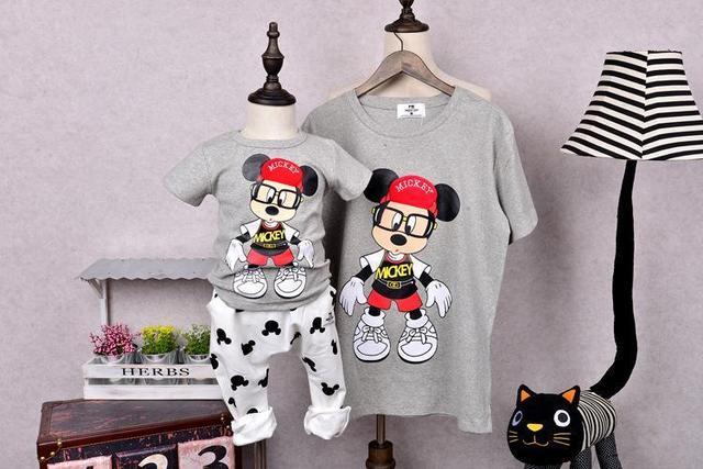 1 unids ropa a juego Lindo de la historieta de Verano de la familia juego madre hija hijo ropa family look de manga Corta camisetas