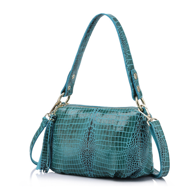 REALER flap genuine leather women handbag crocodile pattern bag female shoulder bag with tassel ladies messenger bag