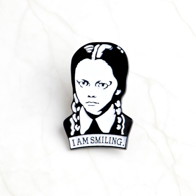 1 piece I AM SMILING Black and white girl brooch Collar Corsage Shirt bag cap Jacket Pin Badge Jewelry Birthday gift