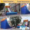 Castelos de salto inflável Biggors Jardim Barato Corrediça de Água Inflável Com Sopradores de Ar de Transporte por Mar